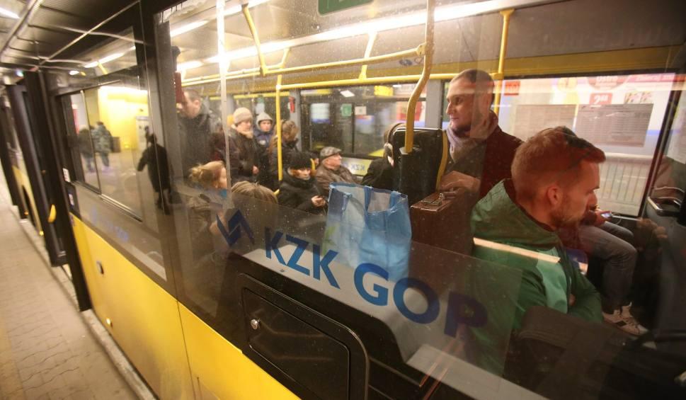 Film do artykułu: Nowe ceny biletów na autobus, tramwaj i trolejbus od 1 kwietnia 2018 w KZK GOP, MZKP Tarnowskie Góry i MZK Tychy. Będzie taniej, ale drożej