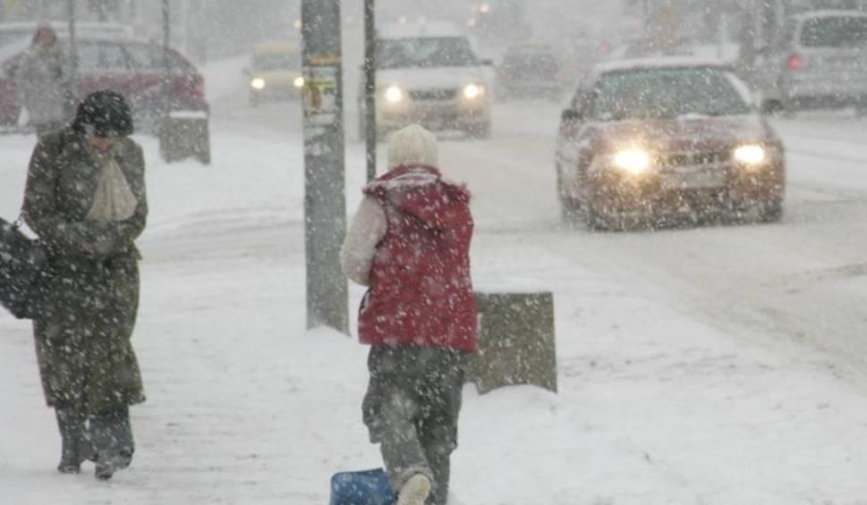 Film do artykułu: Pogoda na styczeń 2019 i ferie zimowe: temperatury do -20 st. C. Ostrzeżenie IMGW przed mrozem i śniegiem DŁUGOTERMINOWA PROGNOZA POGODY