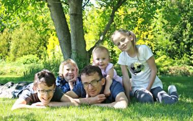 Ojciec dojrzewa razem z dziećmi