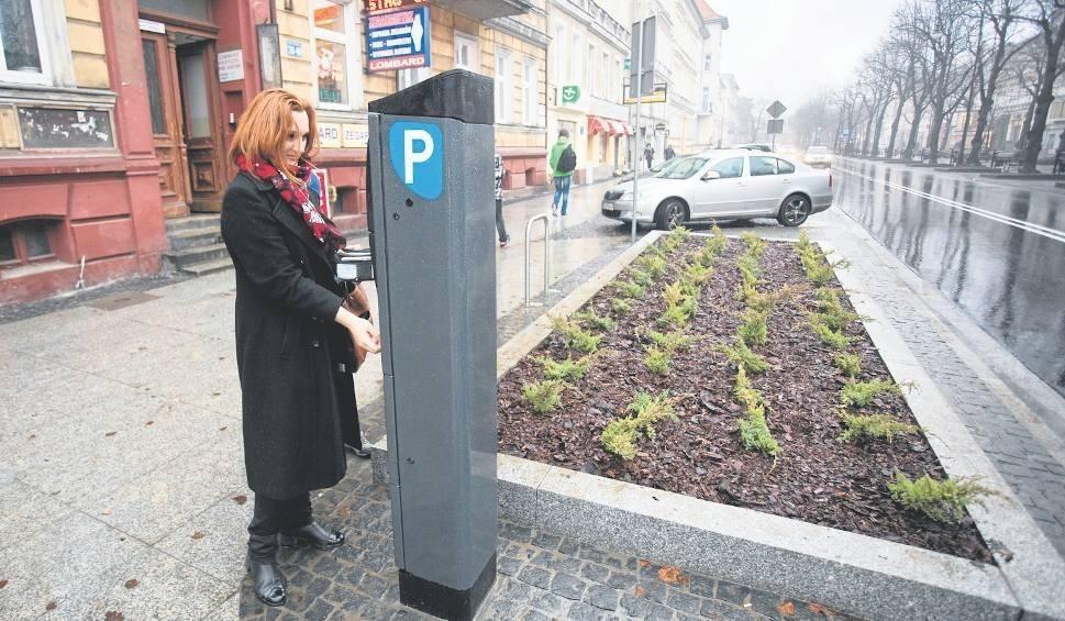 Film do artykułu: Strefa płatnego parkowania w teorii większa