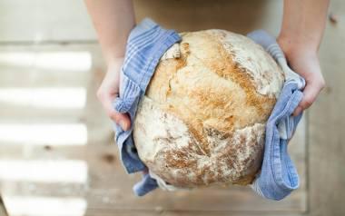 Nie ma nic lepszego niż domowy, pachnący chleb. Kliknijcie w galerię i zobaczcie sprawdzone przepisy naszych Czytelników na domowe chleby. Tylko sprawdzone