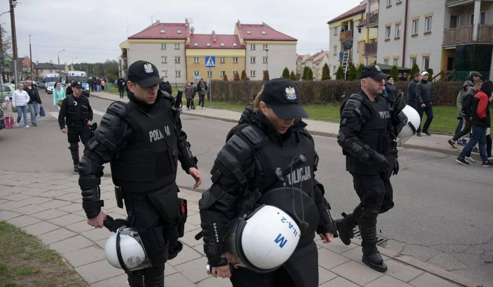 Film do artykułu: Interwencja policji na Barszczańskiej. Jarosław Zieliński: Trzeba prześwietlić działania policji