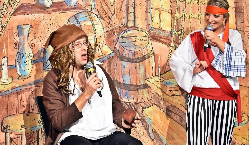 Film do artykułu:  Kozienice. W czasie Poranku Teatralnego dzieci przeniosły się do fascynującego świata piratów (Zdjęcia)