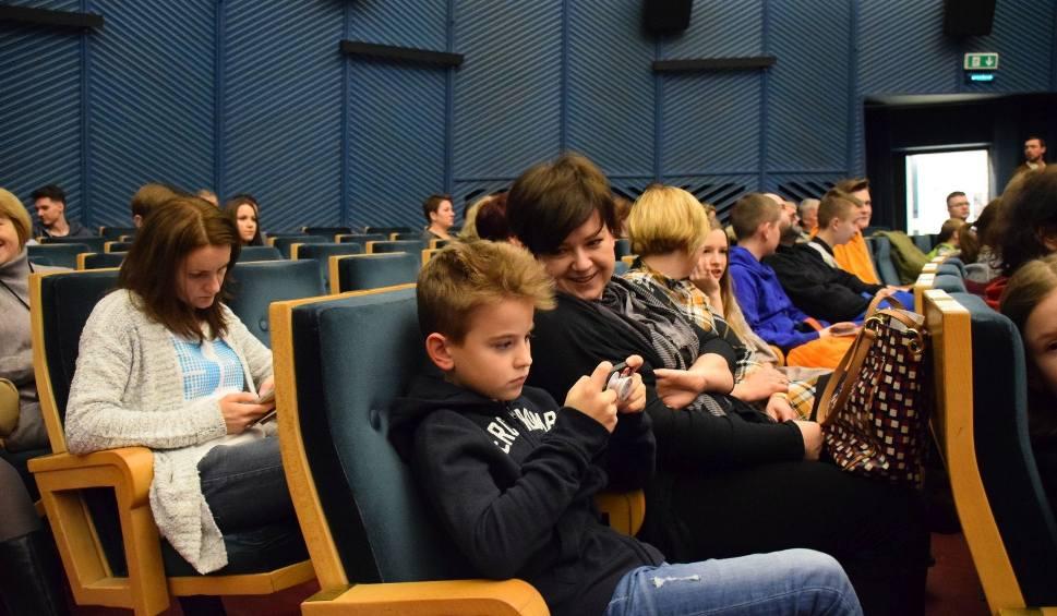 Film do artykułu: Kino Forum. Władcy przygód. Stąd do Oblivio. Białystok na wielkim ekranie (zdjęcia, wideo)
