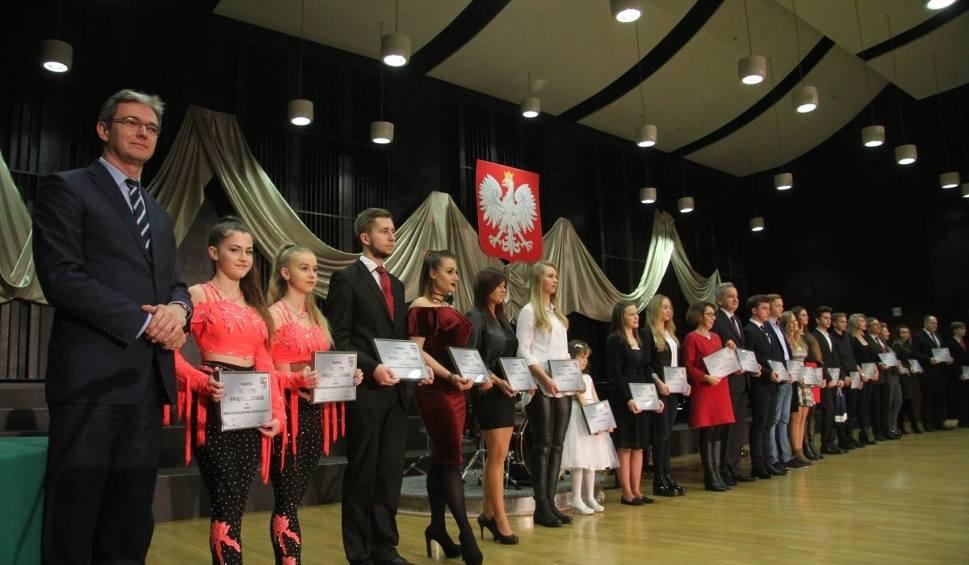 Film do artykułu: Marszałek wręczył Talenty Świętokrzyskie. Piątka laureatów z Ostrowca!