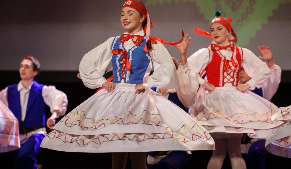 """Film do artykułu: Z miłości do tańca """"Świerczkowiacy"""" zadziwiają publiczność już ponad pół wieku. Praca w zespole jest ich wielką życiową pasją"""