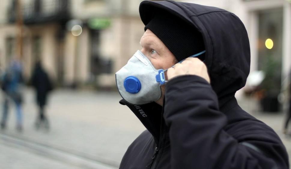 Film do artykułu: Smog 13.12.2019: W Śląskiem normy pyłów zawieszonych przekroczone o setki procent. Najgorzej na zachodzie, południu i w centrum regionu