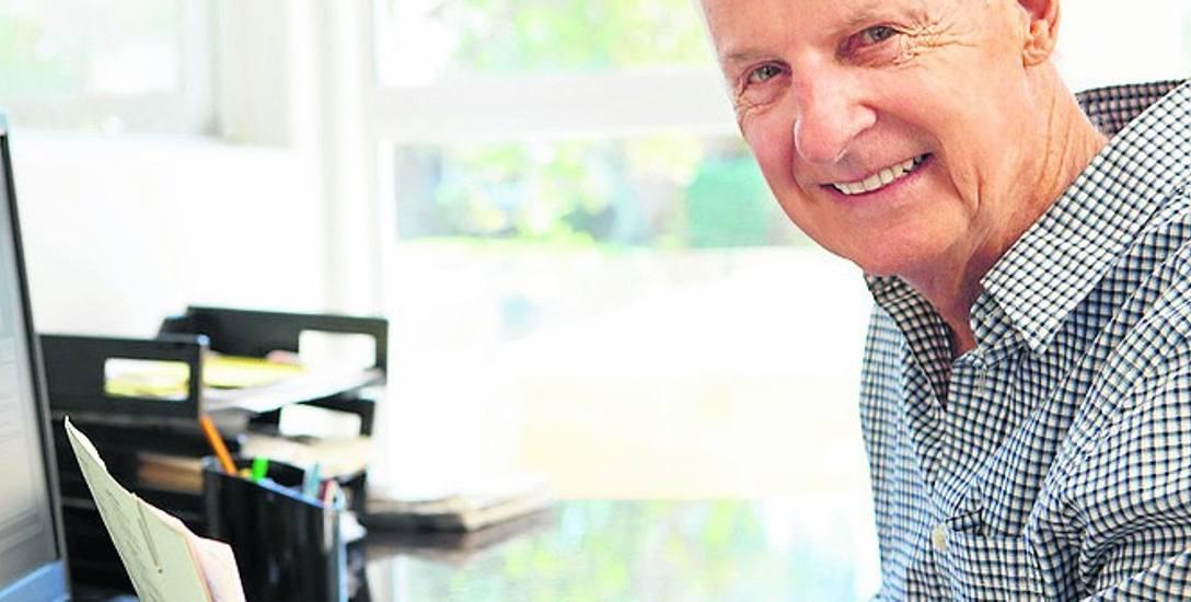 Wielu seniorów dorabia sobie do emerytury
