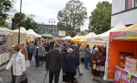 Drugi dzień Jarmarku Franciszkańskiego w Opolu. Przyszły tłumy.