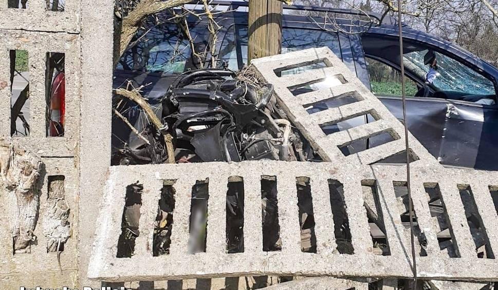 Film do artykułu: Tragedia na drodze w Międzyrzeczu. Kierowca z trzema promilami alkoholu śmiertelnie potrącił 23-letniego motorowerzystę