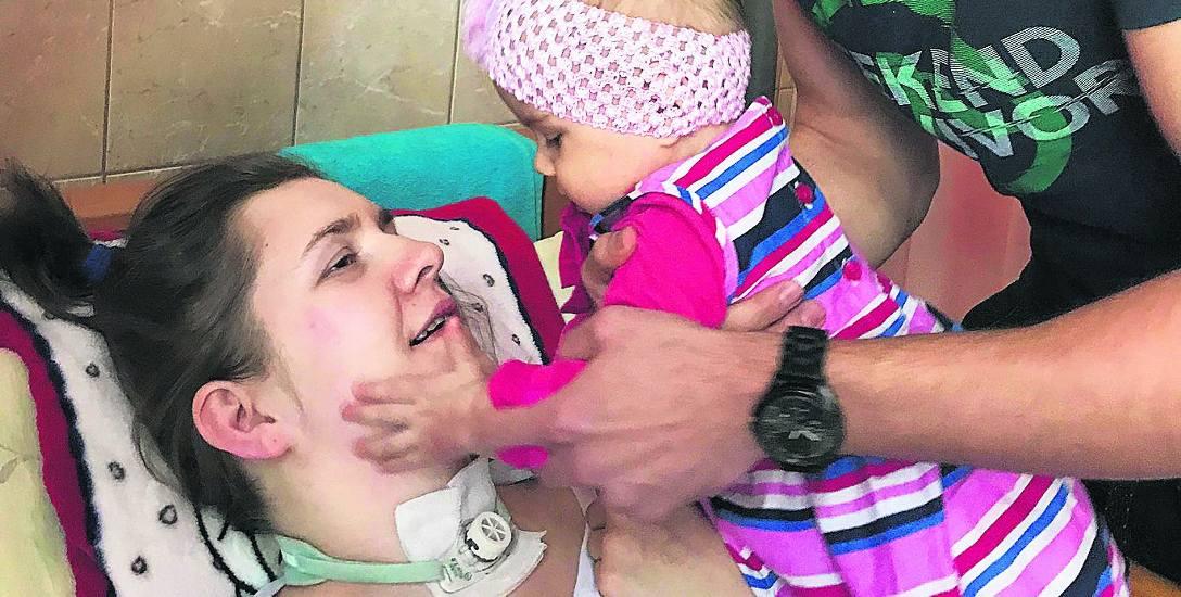 Można pomóc Wioli w rehabilitacji i wychowaniu dziecka, wpłacając pieniądze na konto: 89 8944 0003 0000 2088 2000 0010, tytuł płatności: Wioletta Szyłejko