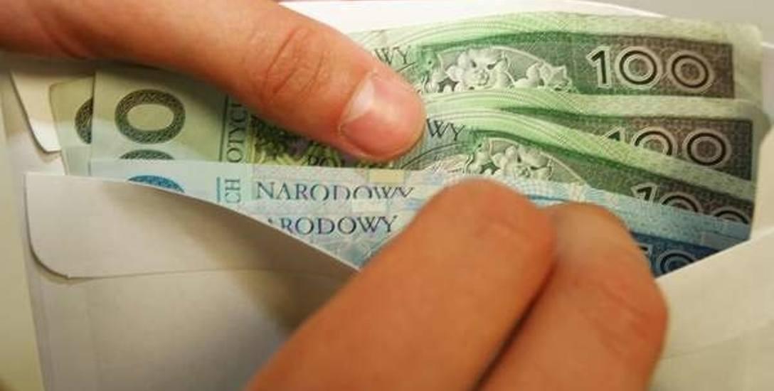 Mężczyzna żądał od kobiet 20 tysiecy złotych