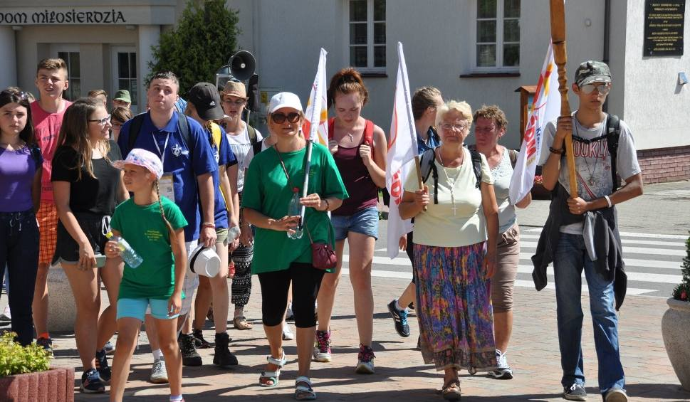 Film do artykułu: Światowe Dni Młodzieży. Pielgrzymi z Szydłowca, Jastrzębia i Wierzbicy w Ostrej Bramie w Skarżysku