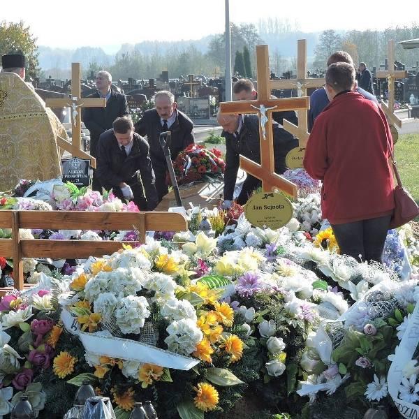 """Pogrzeb Dominiki Diller - właścicielki browaru Hoplala i jednej z laureatek tegorocznej listy """"30 Przed 30"""" miesięcznika """"Forbes"""""""
