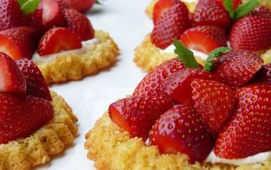 Ciasto z truskawkami. TOP 10 przepisów naszych Czytelników [PRZEPISY]