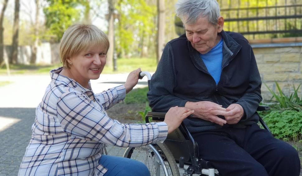 Film do artykułu: Małgorzata Kamrad z Kalinowa przez lata pomagała innym. Dziś sama potrzebuje pomocy. Rak zaatakował po raz drugi