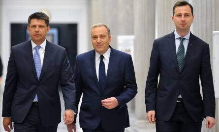 Trzech liderów opozycji, dzisiaj najsilniejszą pozycję wydaje się mieć Schetyna