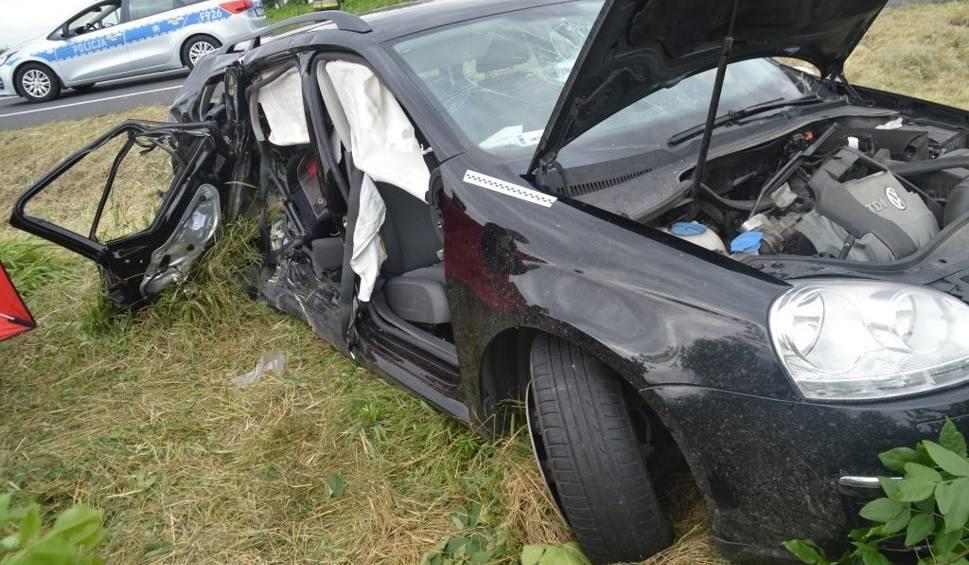 Film do artykułu: Dęby Wolskie w gminie Rusiec. Kierowca z Łomży spowodował śmiertelny wypadek. Zginął ośmiolatek