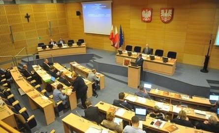 Wyniki wyborów samorządowych 2018. PiS bierze małopolski sejmik. Koniec rządów koalicji PO-PSL