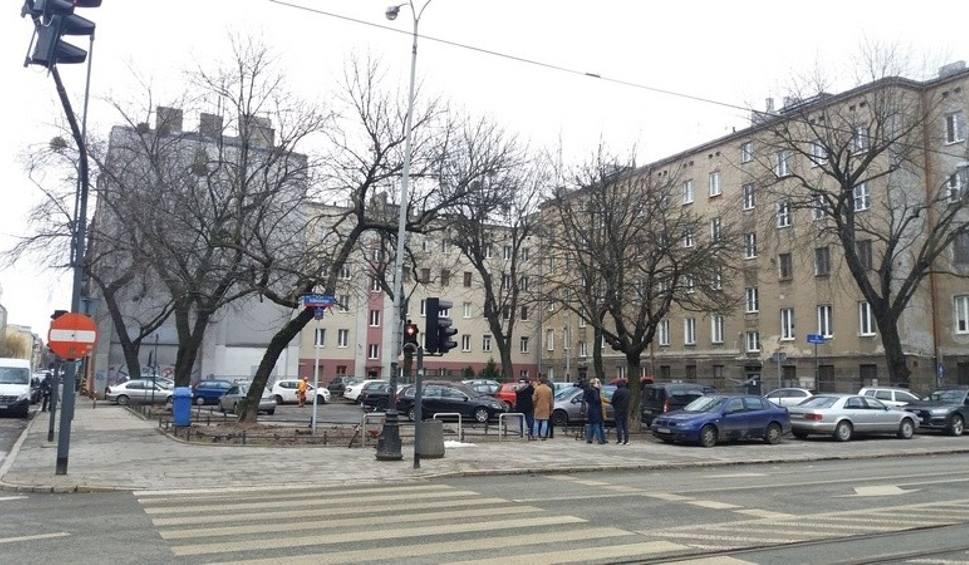 Film do artykułu: Rewitalizacja: Skwer z placem zabaw zamiast parkingu przy skrzyżowaniu ul. Kilińskiego z Jaracza