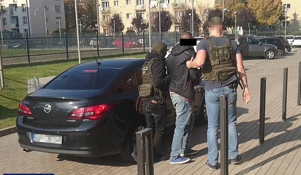 Film do artykułu: Policjanci z CBŚP w Rzeszowie zabezpieczyli 21 skradzionych samochodów [ZDJĘCIA, WIDEO]