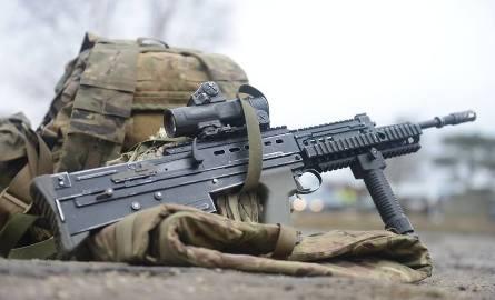 W trakcie szkolenia wojsk specjalnych poszkodowanych zostało dwóch żołnierzy. Jeden z nich zmarł
