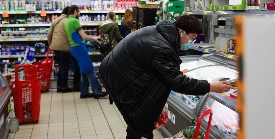 Związkowcy domagają się środków odkażających do regularnej dezynfekcji rąk, w szczególności dla kasjerów w marketach
