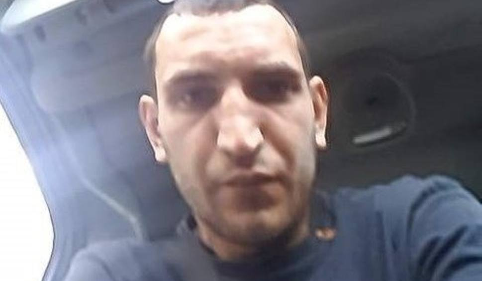 Film do artykułu: Lublin: Telefon zrobił zdjęcie złodziejowi, który włamał się do samochodu. Teraz szuka go policja i prosi internautów o pomoc