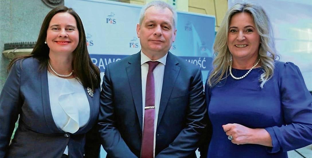 Wicewojewoda Violetta Porowska (z lewej) i posłanka Katarzyna Czochara zawiązały sojusz przeciw Sławomirowi Kłosowskiemu