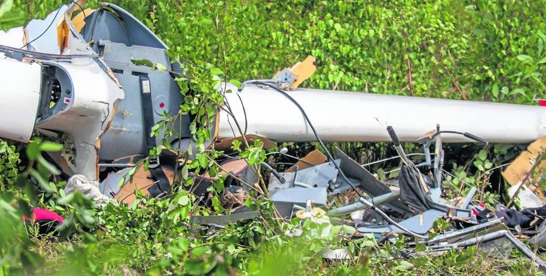 Prokuratura Okręgowa i Państwowa Komisja Badań Wypadków Lotniczych wciąż ustalają przyczyny wypadku szybowca.