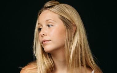 """Miranda McKeon, amerykańska aktorka, znana jako Josie Pye z kanadyjskiego serialu  """"Ania, nie Ania"""" (ang. """"Anne with an E"""")."""
