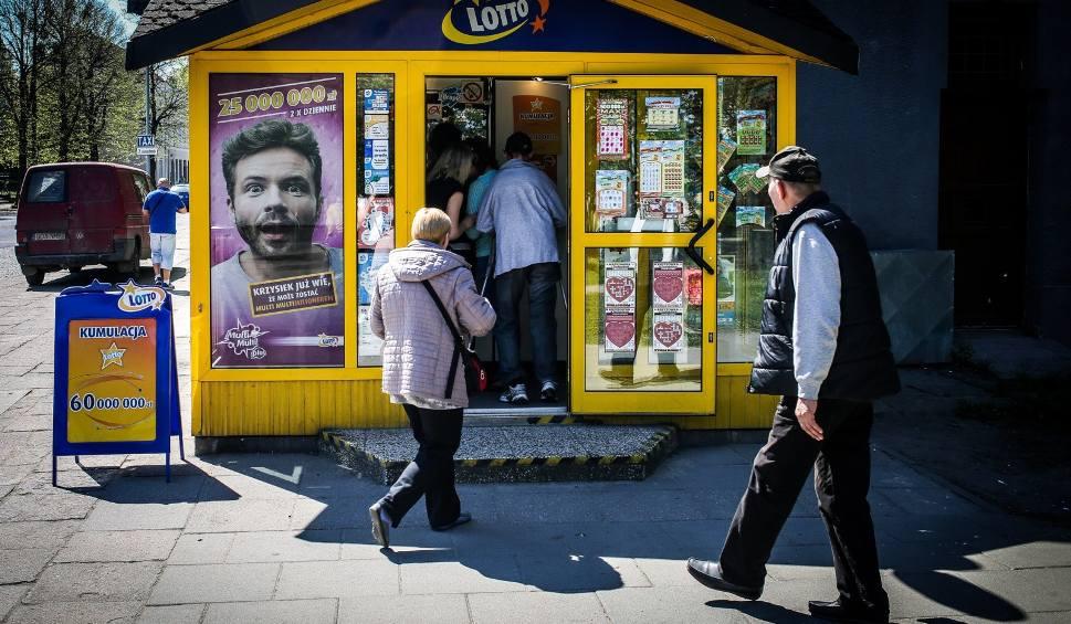 Film do artykułu: Gigantyczna wygrana w zdrapce Lotto padła w Grudziądzu [18.10.2019 r.]