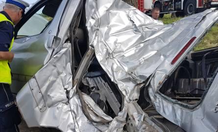 Śmiertelny wypadek w Dąbrówce pod Zgierzem. Zginął pasażer citroena