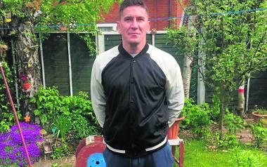 Krzysztof Pyskaty mimo 42 lat wciąż gra w piłkę nożną, choć już tylko amatorsko. Reprezentuje angielską drużynę BAI Phoenix FC