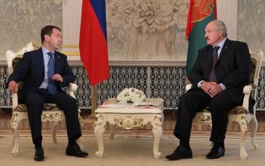 Alaksandr Łukaszenka (po prawej) i Dmitrij Miedwiediew, 18 lipca 2012
