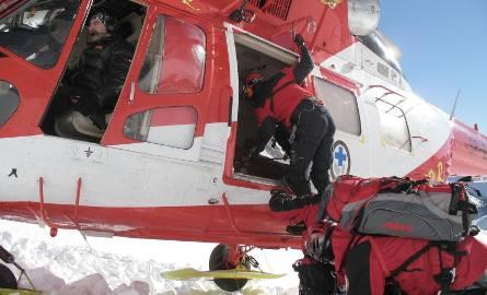 2008.02.09 tatry czerwone wierchy artur hajzer himalaista przysypany przez lawine gory, zima, lawina, himalaista, topr, ratownik, ratownicy, helikopter,