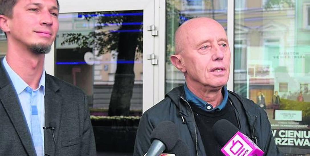 Burmistrz Jerzy Hardie-Douglas i szef SAPiK Kamil Klimek na brefingu tłumaczyli, że film jest dostępny dla każdego