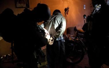 """Pierwsze zatrzymania w związku z handlem narkotykami w """"Belwederze"""" odbyły się w 2017 roku. Dziś podejrzanych jest aż 45 osób."""