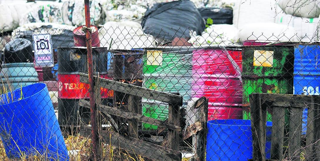 Ekoafera! Odpady z Niemiec i Anglii trafiają pod Łódź! Ogromne składowisko śmieci na granicy...