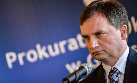 Konferencja prok. Zbigniewa Ziobry w Gdańsku w sprawie zatrzymania notariuszy mających związek - zdaniem służb - z tzw. mafię mieszkaniową [23.05.20