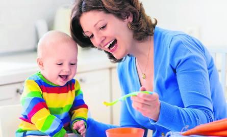 Rodzice, których dzieci spędzają dużo czasu z opiekunką muszą pamiętać o tym, by zawsze po pracy poświęcić dziecku swój czas