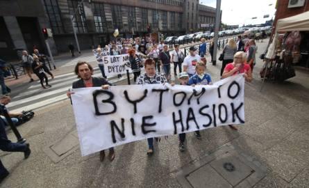 Mieszkańcy Bytomia protestują przeciw nielegalnym składowiskom toksycznych odpadów