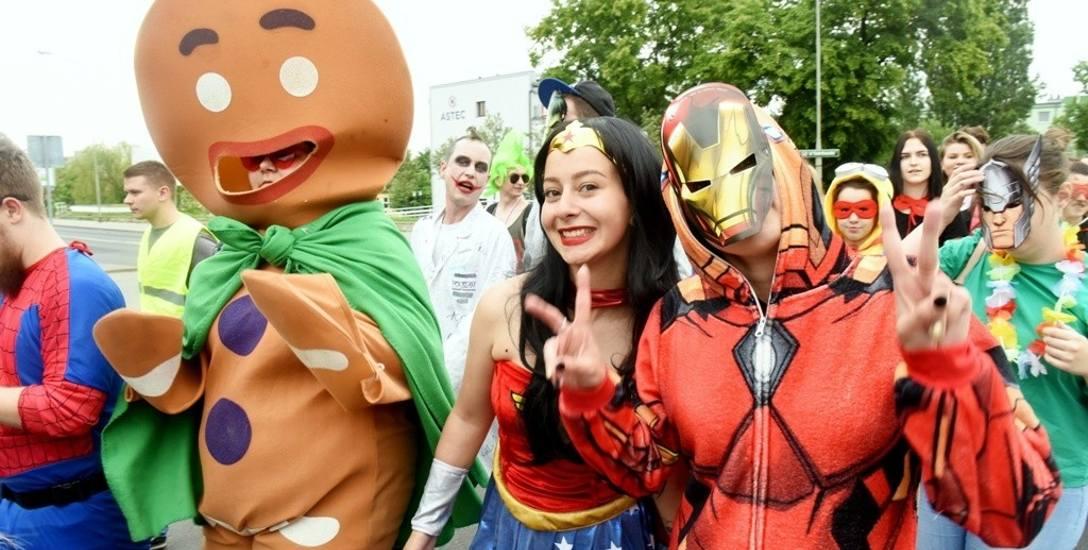 Superbohaterowie przeszli ulicami Zielonej Góry. To już tradycja, że na początek Bachanaliów odbywa się wielka parada.