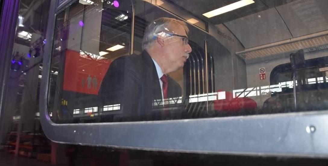 Janusz Malinowski, prezes ŁKA szacuje, że do końca roku spółka przewiezie 5 mln osób. Dla porównania w ubiegłym roku ŁKA przewiozła 3,5 mln pasażeró