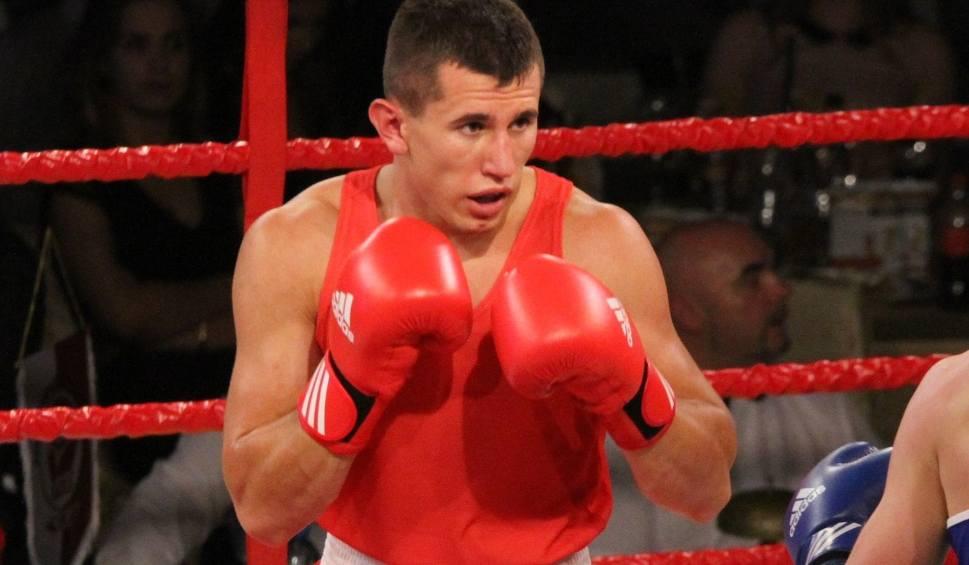 Film do artykułu: Zwycięstwo Gołębiewskiego w bokserskim Pucharze Polski. Wygrał jednogłośnie na punkty