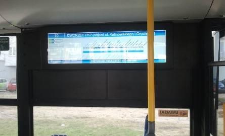 W autobusach nadal obowiązuje stary rozkład jazdy. Ale jadą nową trasą.