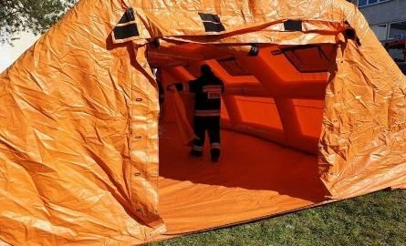Koronawirus: uszczelnienie systemu w Małopolsce. Obowiązkowe mierzenie temperatury i namioty przed szpitalami