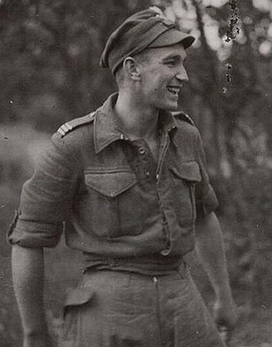 """Zdzisław Badocha """"Żelazny"""". Dowódca jednego ze szwadronów podległych majorowi """"Łupaszce"""". To on ze swoimi żołnierzami wiosną 1946 r."""