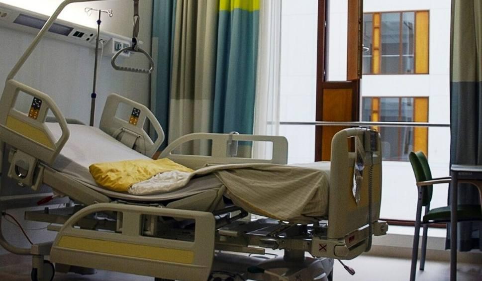 Film do artykułu: Księża przekazali 180 tys. zł szpitalowi w Cieszynie na walkę z koronawirusem
