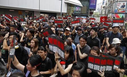Pekin ugina się przed masowymi protestami w Hongkongu. Protestujący znów wychodzą tłumnie na ulice